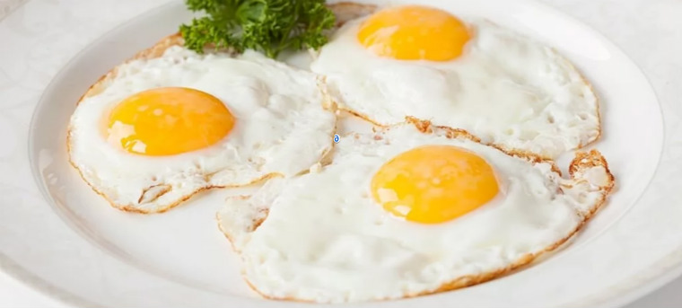 Яичница из куриных яиц