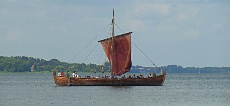 На веслах по озеру