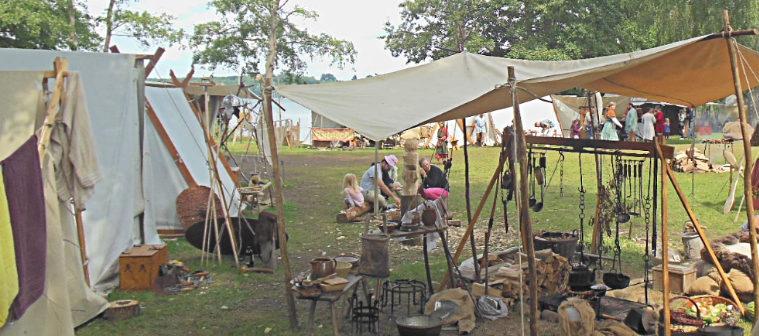 Палаточный лагерь средневековых торговцев