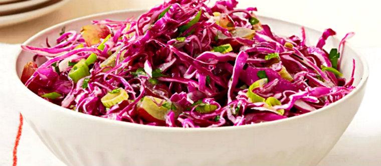 Салат из яблок и краснокочанной капусты