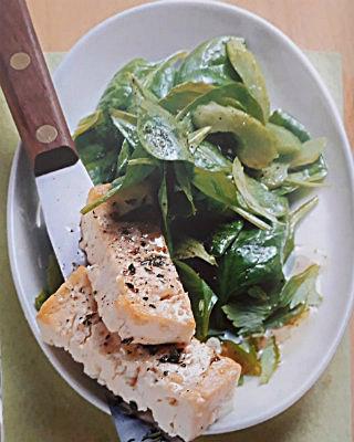 Салат из шпината с овечьим сыром