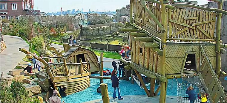 Детская площадка зоопарка