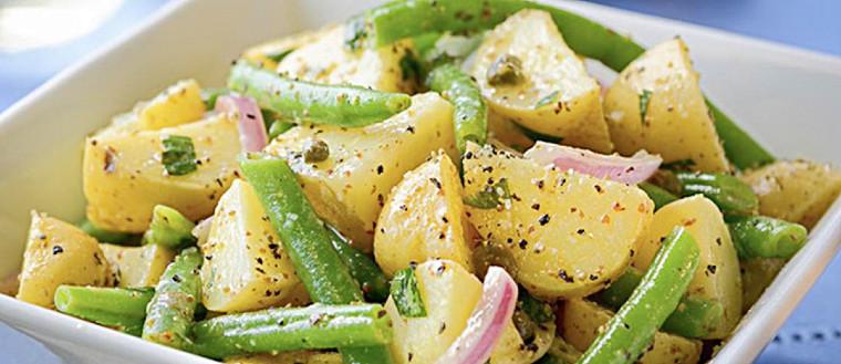 Картофельный салат с зеленой фасолью