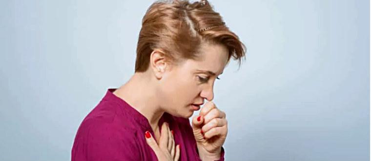 Бронхит и кашель у женщины