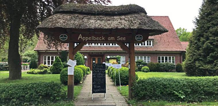 Кафе-ресторан Аппельбек у озера