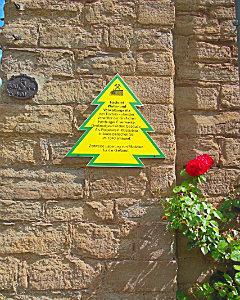 Желтая елочка-знак исторических объектов