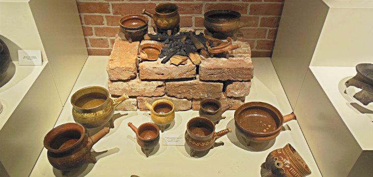 Выставка глиняной посуды
