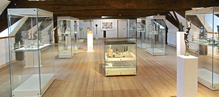 Выставка современной скульптуры и графики