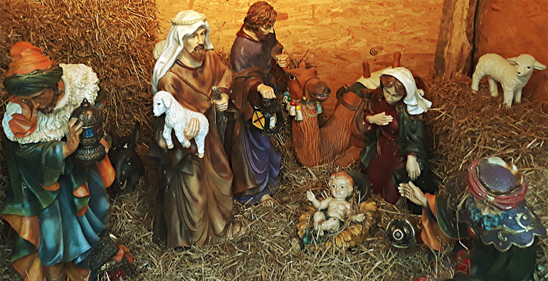 Рождественские ясли с младенцем Христом
