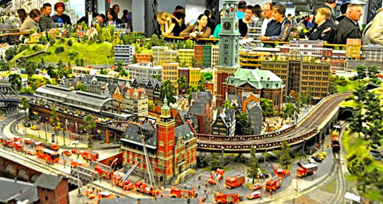 Экспозиция портовой части Гамбурга в миниатюре