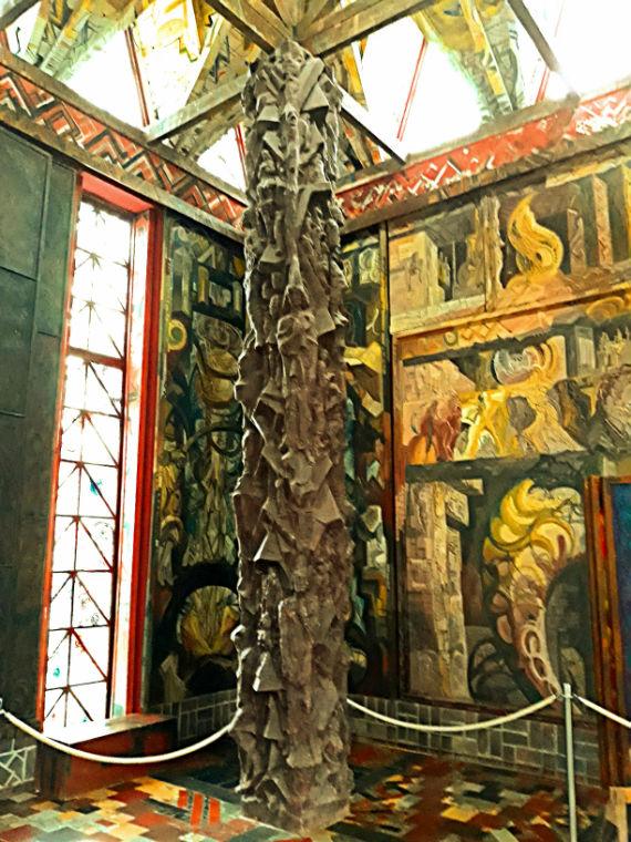 Колонна Храма Света