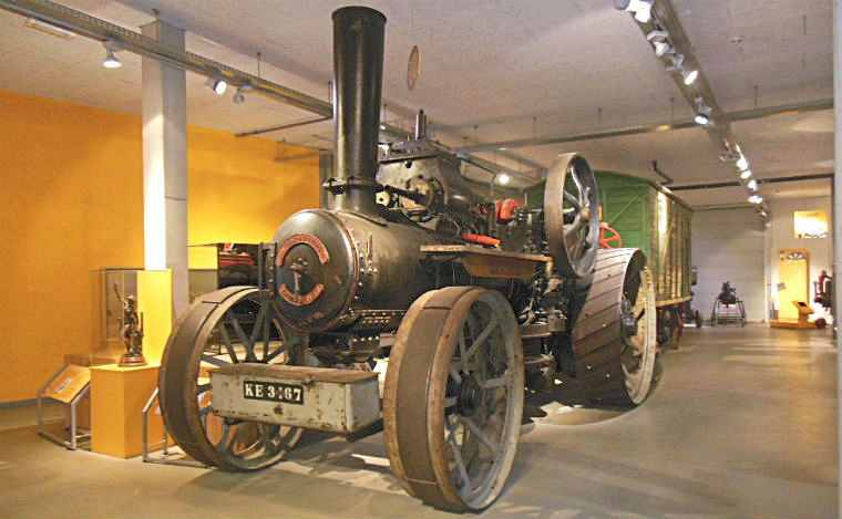Паровой трактор