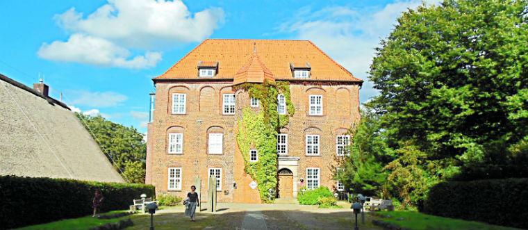 Zamok-Agatenburg-dostoprimechatelnosti-v-Germanii.jpg