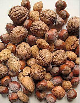 Орехи грецкие, фундук, миндаль