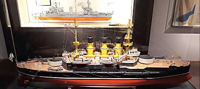 Модель броненосца Потемкин