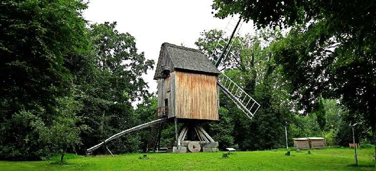 старая ветряная мельница